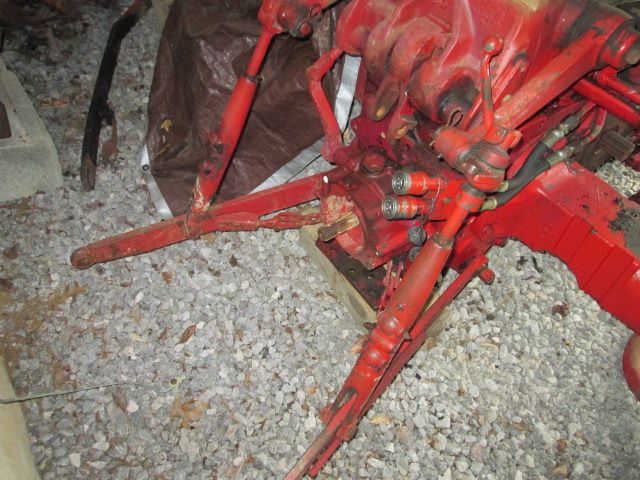 Farmall 504 Tractor 3 Point Lift Arms : Tractorauctions